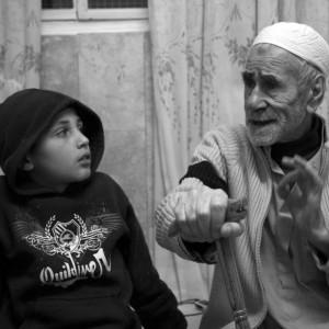 nonno e nipote palestinesi
