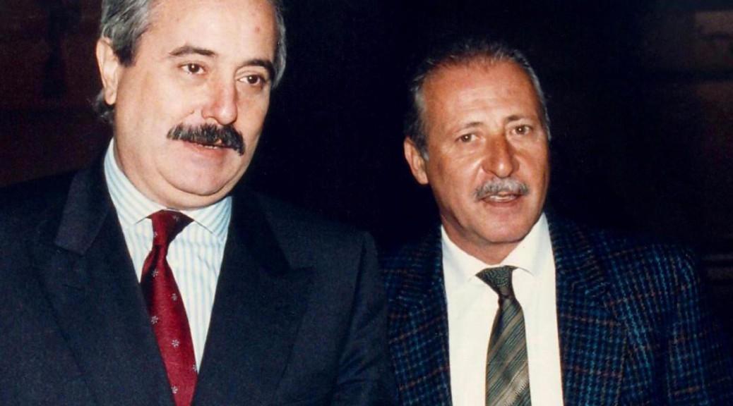 Giovanni Falcone e Paolo Borsellino in una foto d'archivio senza data. ANSA / GIOSUE MANIACI