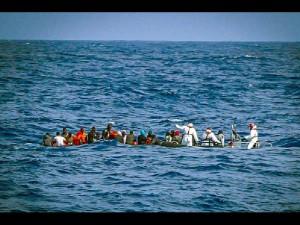 1430716425-0-migranti-a-trapani-382-naufraghi-salvati-nel-canale-di-sicilia