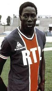 Jean Pierre con la maglia del PSG