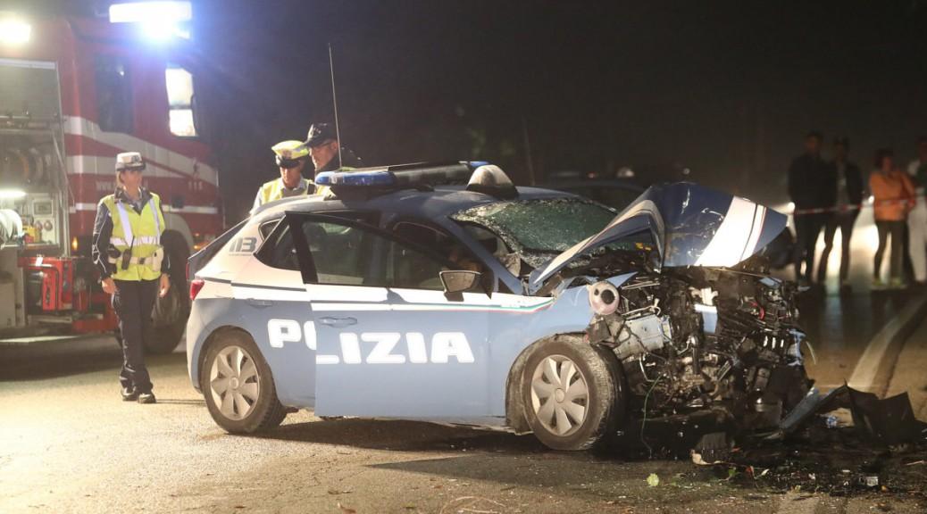 2 POLIZIOTTI, UN UOMO ED UNA DONNA SONO MORTI IN UN INCIDENTE A LIDO ADRIANO SU VIALE MANZONI